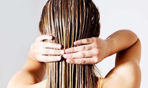 Названы продукты, которые защитят от потери волос