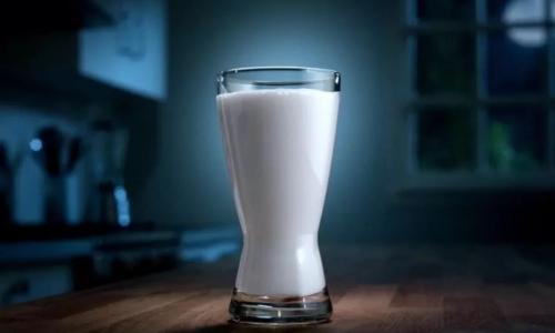 Почему нельзя пить кефир на ночь