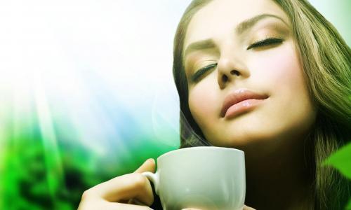 1-2 чашки в неделю: почему женщинам не стоит злоупотреблять зеленым чаем