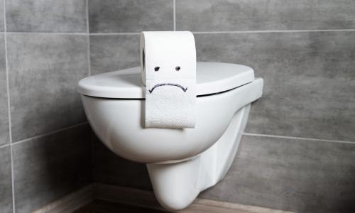Смыв воды в общественном туалете может быть опасен