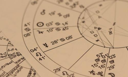 Астролог перечислила самые опасные дни 2021 года