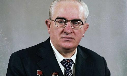 Сын-уголовник и брошенная жена: семейные тайны Юрия Андропова