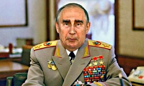 Путин внес законопроект о продлении предельного срока службы генералов