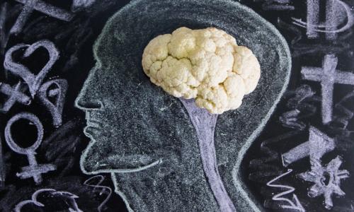 Диетолог назвала способ «обмануть мозг» и похудеть